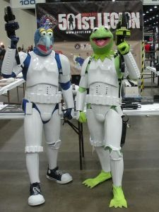 Looks like Kermit and Gonzo are enjoying some time at Comic Con. Wonder if Miss Piggy is wearing a Slave Leia costume.