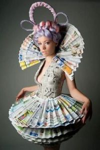 Let's just say this would be Effie Trinket if she were promoting an environmental message. Well, if she wasn't too busy selecting tributes for Reaping Day and prepping them for a televised teenage death match.