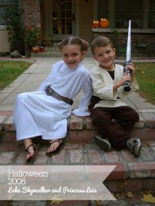 Thankfully, these two kids have been around each other long enough to know that they're brother and sister. With Luke and Leia, this wasn't the case.