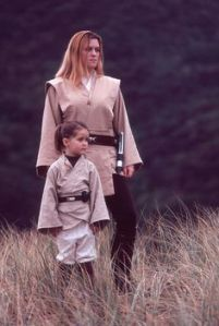 Now this is adorable. Still, I don't think female Jedi can have children if I'm not mistaken. Aren't they supposed to be celibate?
