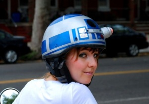 Actually this woman painted her helmet to make it look like R2-D2. Still, she's bound to get a lot of guys at Comic Con with it.