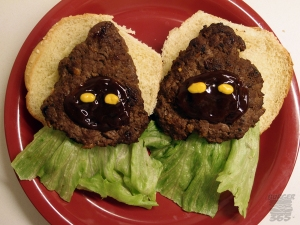 Yes, these burgers are supposed to resemble the droid robbing aliens of Tatooine. Still, I have to admit they're pretty adorable and didn't deserve to be killed by Stormtroopers.