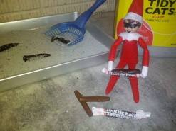 tootsie-rolls-elf-on-the-shelf