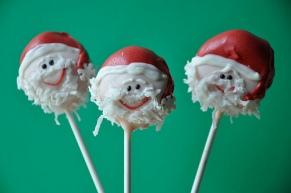 santa-cake-pops