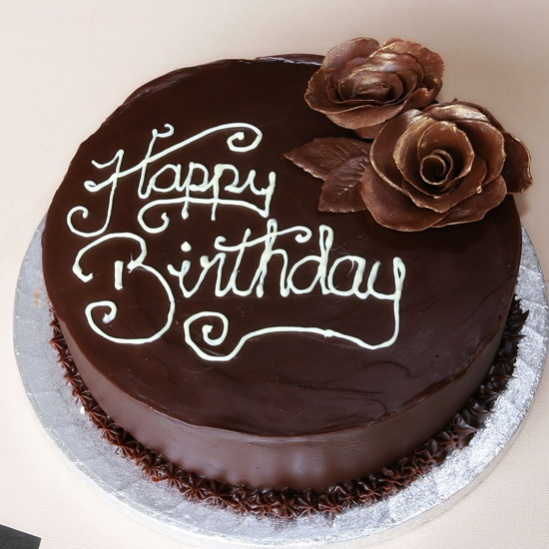 12-yummy-birthday-chocolate-cakes-8