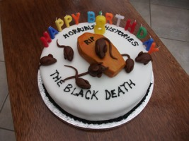 coolest-horrible-history-birthday-cake-21654009