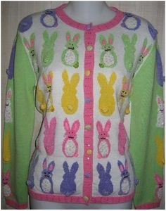 Each row of bunnies is of a different color. But not all are facing the same way. Also, not sure about the light green sleeves.