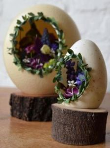These eggs seem so rustic that they can almost be real. Still, love the purple flowers in these, by the way.