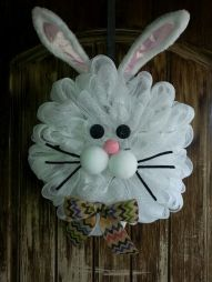Hey, I had to include a bunny wreath somewhere in this post. Couldn't do an Easter craft post without one.