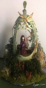 Well, this is of Arwen in Rivendale but you get the drift. Still, if I found an egg diorama of Gandalf the Fellowship, Gollum, or any hobbit, I'd gladly show it.
