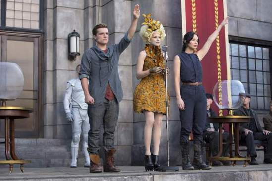 Catching-Fire-Peeta-Katniss-Effie-Photo