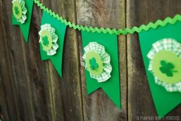 Yes, I know it's a green bunting with shamrocks. But this would be great for any Saint Patty's Day party.