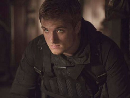 josh-hutcherson-the-hunger-games-mockingjay-part-2-peeta-mellark