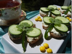 shamrock_cucumber_sandwiches