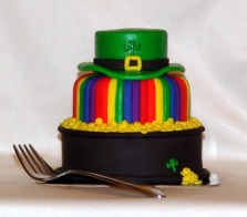 st-patricks-day-green-hat-rainbow-cupcakes