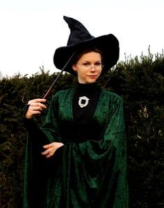 And where would McGonagall be with her trademark green robe? She also transforms as a cat.