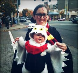 You'd have to be mad to tell me that this isn't adorable. Seriously, I bet any Harry Potter fan would love to dress their baby as Hedwig if they could.