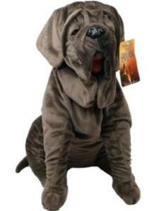 As Potterheads know, Fang is Hagrid's dog that accompanies him and tends to drool a lot. I think I've seen a plushie of Fluffy that was cuter than this.