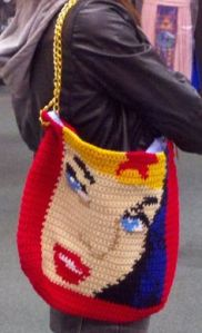 Yes, this is a purse with Wonder Woman's face on it. Don't know what to think about that.