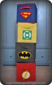 They're just box drawers with Justice League logos on them. Includes Superman, Green Lantern, Batman, and the Flash.