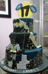 And it seems Batman's cape is being blown in the wind. Still, this is a rather neat cake if you ask me.