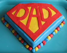 And this goes for any kid of Lex Luthor. However, if you are one Luthor's kids, know that he doesn't want a cake like this.