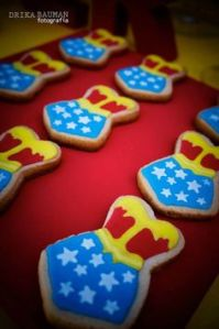 These are cookies of Wonder Woman's trademark outfit. Nevertheless, do they ever have cookies of the batsuit or Superman's uniform? I'm not sure.
