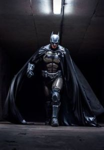 His armor could use a paint job in this. Then again, Batman is supposed to be rather war weary if you think about it.