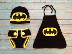 Includes a cape, a diaper cover, and a beanie. Wish the beanie had bat ears though. That would be cool.