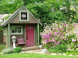 If it's painted like this, all the better. Yes, it certainly looks quite quaint indeed. Like a storybook garden.