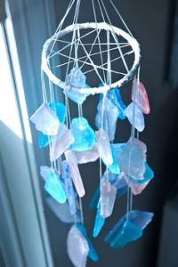 I think these crystals are fake and were bought at some craft store. Still, like how they shine and how they go well with this chime so well.