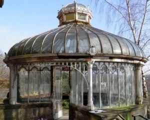 I suppose this is another Victorian greenhouse. And it seems abandoned. But it's in better shape than the other ones I've shown.