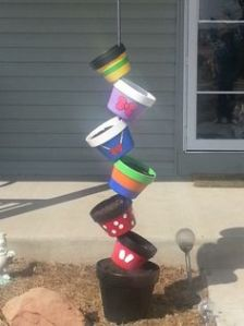 Again, I'm not a fan of Mickey Mouse cartoons. But I do think this is an interesting flower pot arrangement.