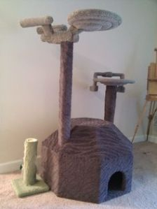 Not sure if there are any feline fans of Star Trek. But this does have a scratch post of the Enterprise and a Klingon ship.