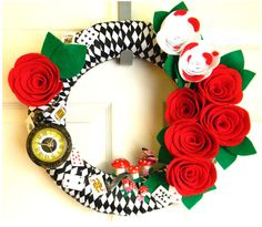 Makes you curiouser and curiouser, doesn't it? But you have to appreciate a wreath like this.