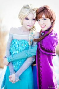 Not sure if it's like that between me and my sister. But at least neither of us have their problems. Queen Elsa should probably loosen up while Princess Anna should use her head.