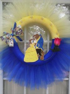 Yes, I know it's another wreath. And it's of Beauty and the Beast. But I couldn't pass this one up.