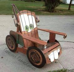 You know the annoying tow truck voiced by Larry the Cable Guy. Yeah, that's him. But I have to like how the person made this lounge chair of him. Now that's clever.