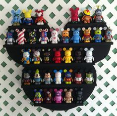 Weill, this is a Mickey Mouse shelf with Mickey Mouse figures. Also available with Minnie.