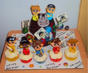 Well, these tend to be more or less inspired by the reboot movies. But at least the cake has Kirk and Spock together.
