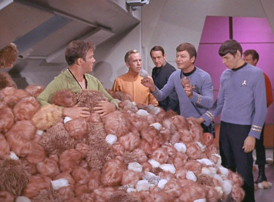 TOS_2x13_TheTroubleWithTribbles0375-Trekpulse