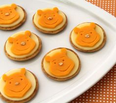 Well, I'm sure even a honey loving bear would find these cheese and cracker treats tasty. So adorable.