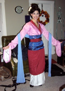 However, in the movie, she doesn't feel like showing off her clothes. But this woman might've made this Mulan outfit herself.