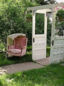 This seems like a clever idea. Not sure if having an armchair is a good idea. But it's nice scene.