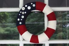 Sure white buttons will do for that American flag wreath. Makes it seem quite quaint for any patriotic household.