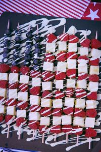 Yes, I put some flag fruit kabobs on my last 4th of July treat post. But these have raspberries and cheese.