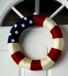 Well, it's quite graceful compared to some of the other wreaths I posed. Love how the stars look in that navy blue.