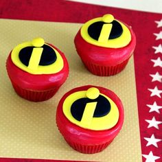 Well, mainly these are Mr. Incredible cupcakes. But everyone in his family has the same kind of uniform so I'm going with the plural.