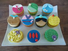 These may be professionally made. But will go nicely with the castle cake I showed earlier.