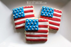 Didn't have flag cookies in my 4th of July treat post from last year. But these are kind of cute.